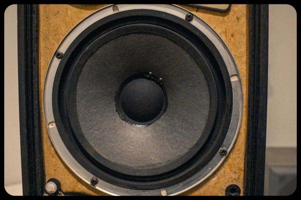 vintage fidelity speaker-2024